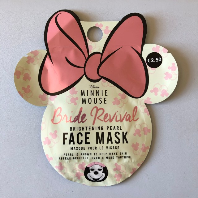 test, beauty, masque éclat, makeup, quinqua, Beauté, Minnie mouse, silversisters, beautea, silverhair, maskchallengeunecitadine, bride revival, makeupgeek, blogueusedusud, cheveuxgris, brightening mask, mask, masque, smooth the skin,