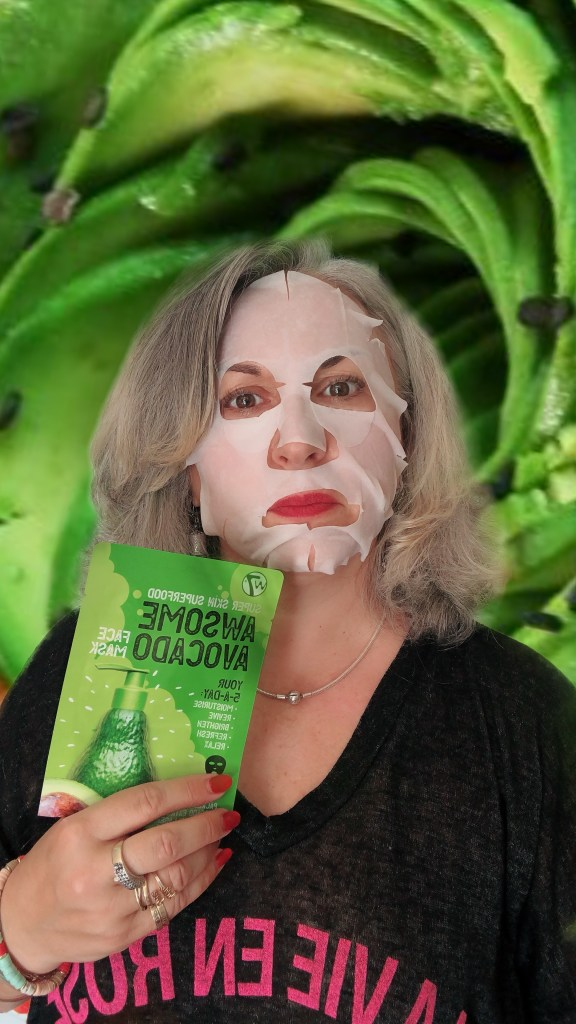 beauty, makeup, silversisters, advocate, silverhair, maskchallengeunecitadine, avocat, makeupgeek, W7, mask, masque, avocado,