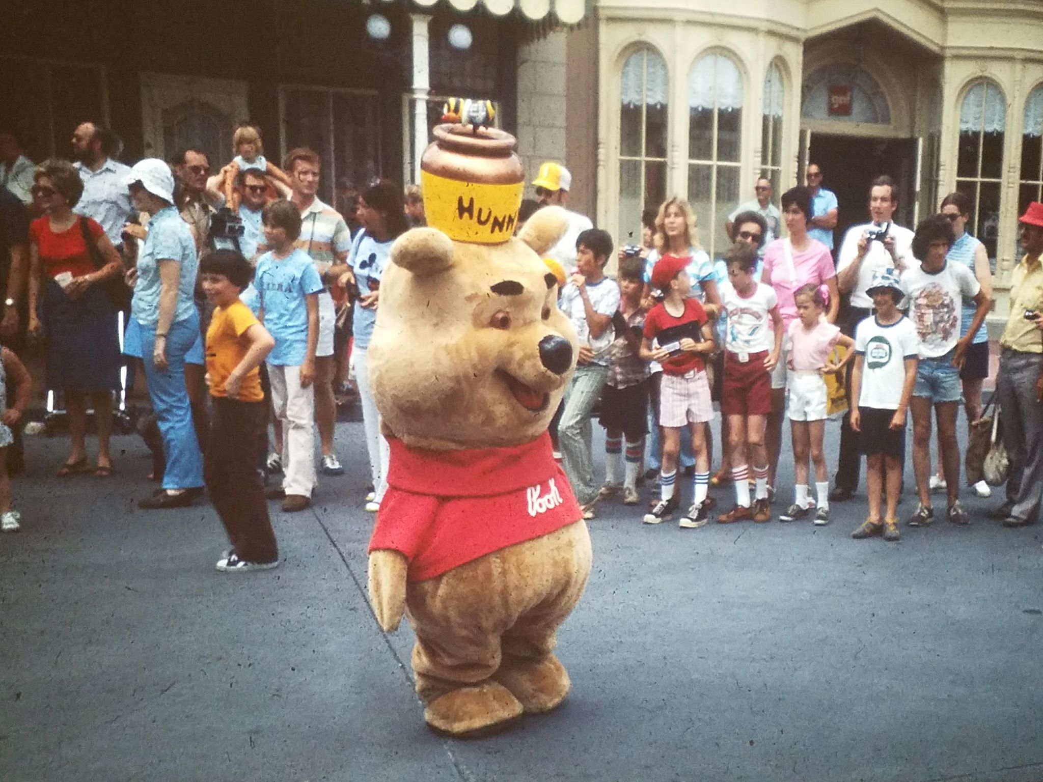 """Featured image for """"41 Vintage Disney World Photos Never Published Before"""""""