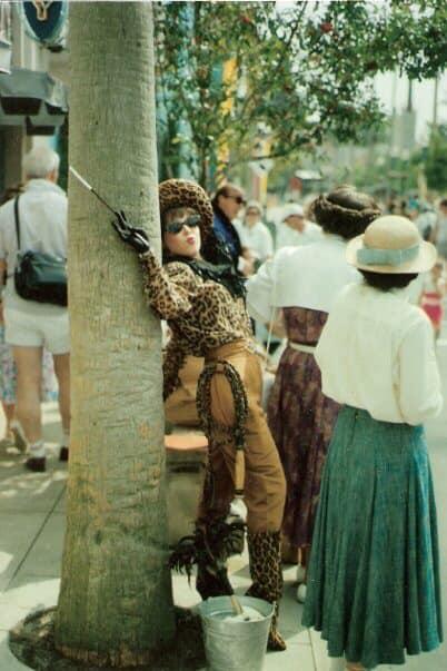 Kitty Labrea Disney Streetmosphere