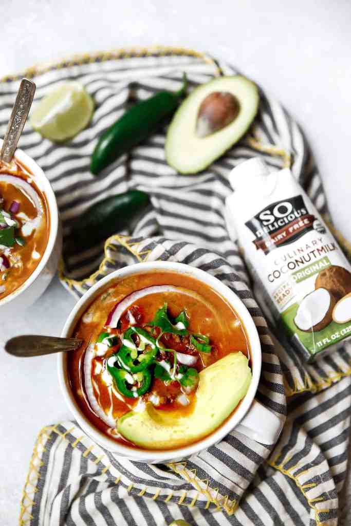 Easy Whole30 Taco Soup. This healthy whole30 taco soup is gluten free, dairy free, paleo and super quick to make. Whole 30 taco soup recipe. Crock pot, slow cooker, instant pot soup recipes. Quick whole30 dinners!