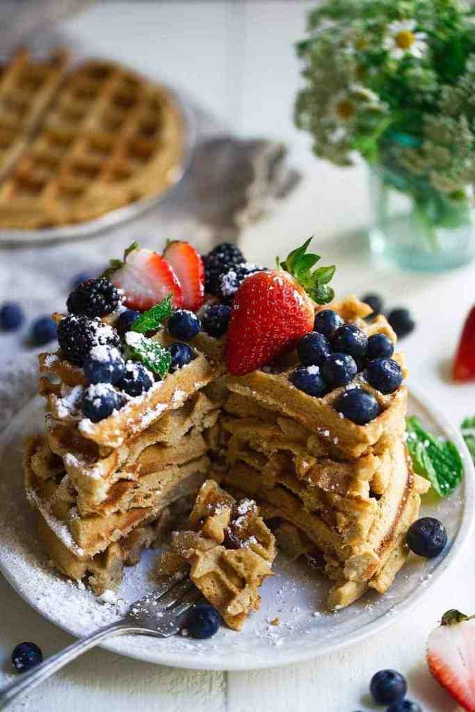 Super Easy Paleo Waffles. 5 Minute Paleo Waffles. Gluten free waffles recipe. Flourless waffles recipe. Coconut flour paleo waffles. Easy and simple paleo waffles recipe. Best paleo waffles. Grain free paleo waffles. Gluten free paleo waffles. Easy gluten free waffles. Paleo breakfast recipes. Easy paleo breakfast recipes. On the go paleo breakfast. A healthy paleo waffles recipe right here!