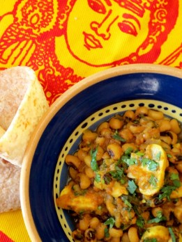 Lobia Khumbi (Black-eyed Beans with Mushrooms)