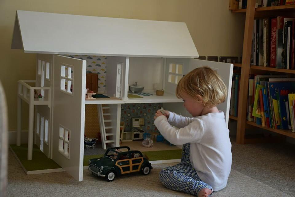 Refurbishing a dollhouse