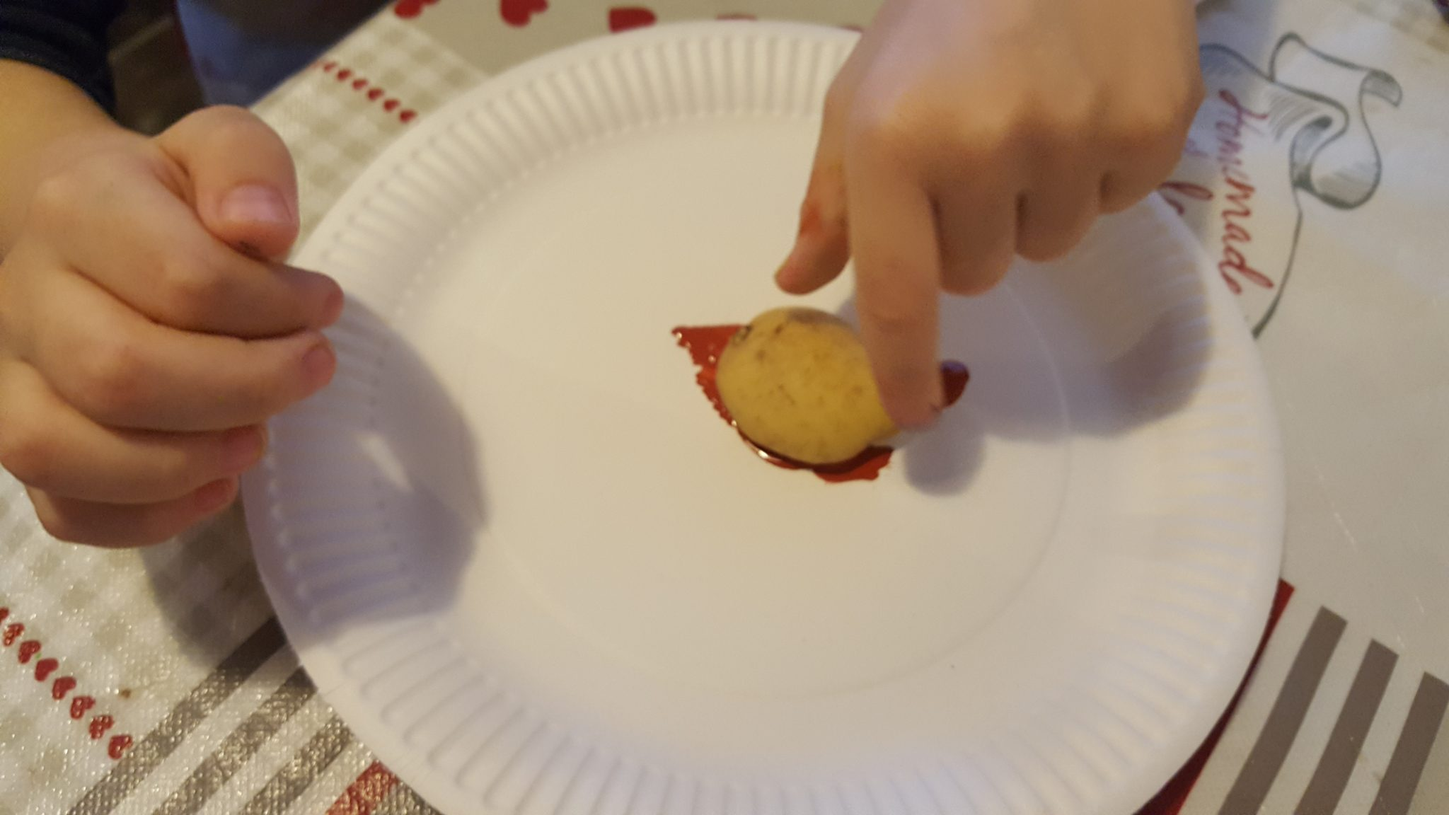 You can use larger potatoes for smaller children. Alternativley you can also let your older children cut the shapes.