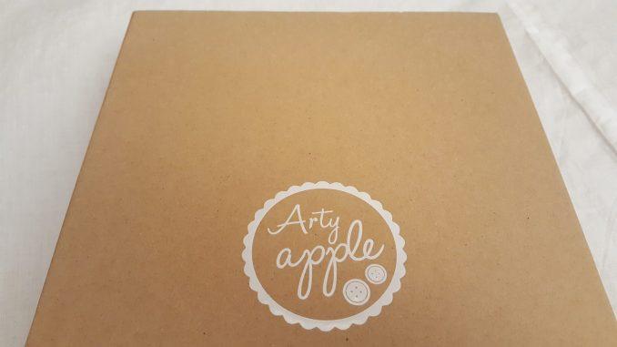 Arty apple cardboard box