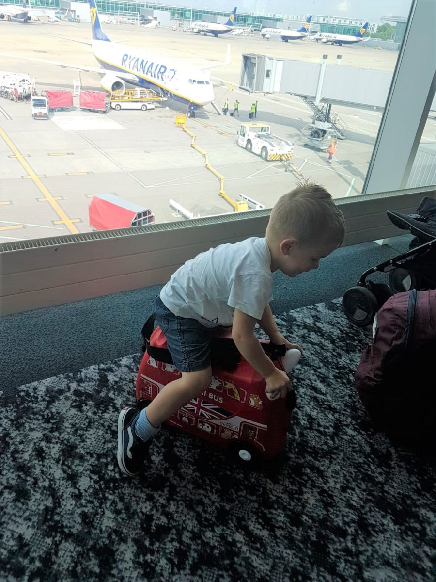 Trunki at the airport
