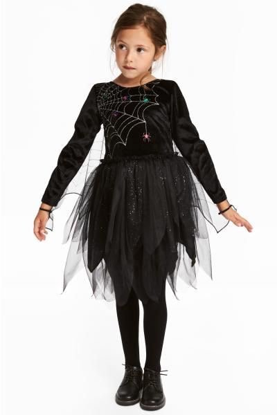 Spider Halloween costume in black