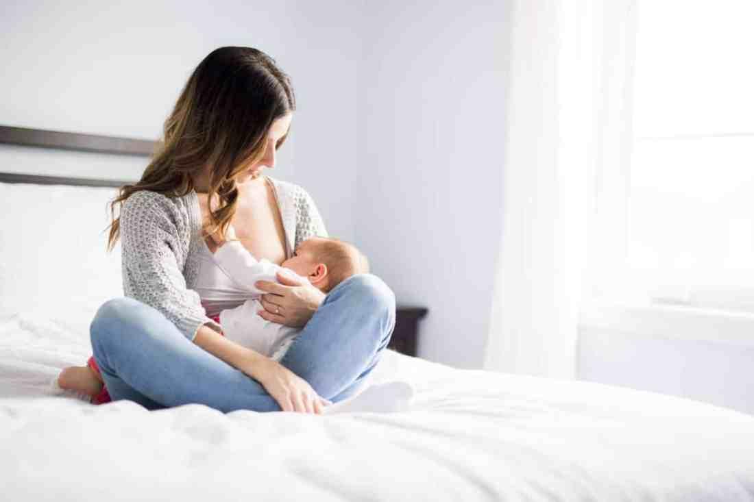 breastfeeding necessities for new mamas