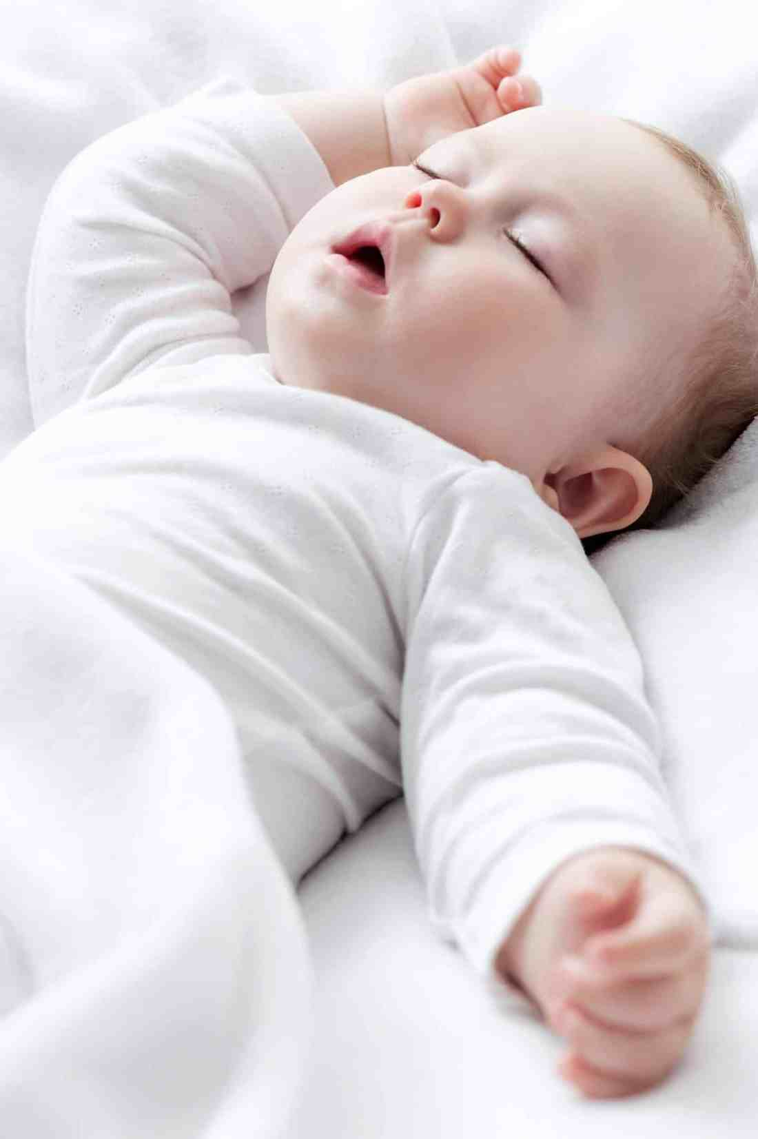 newborn baby breastfeeding tips