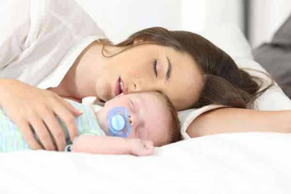 Ways to help your baby sleep in hot weather