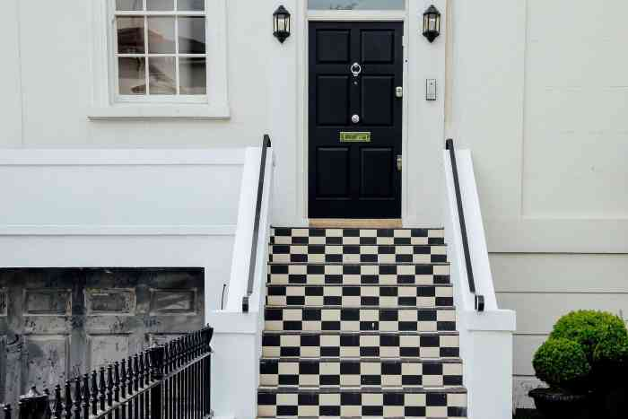 front door, curb appeal, increase sale of home