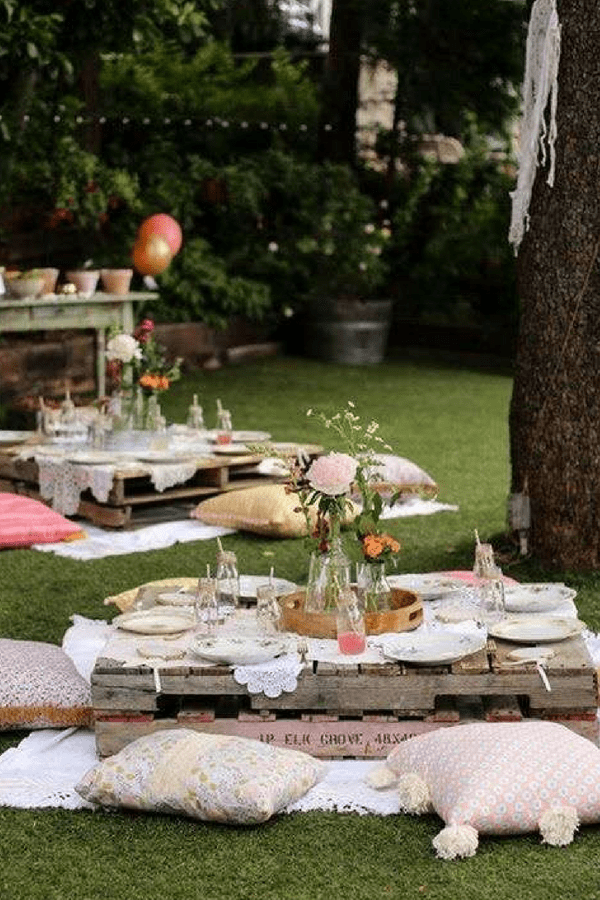 32 Stunning Summer Party Ideas You Need To Try Right Now #summergardenparty #bohogarden party #partydecorideas #partytableideas