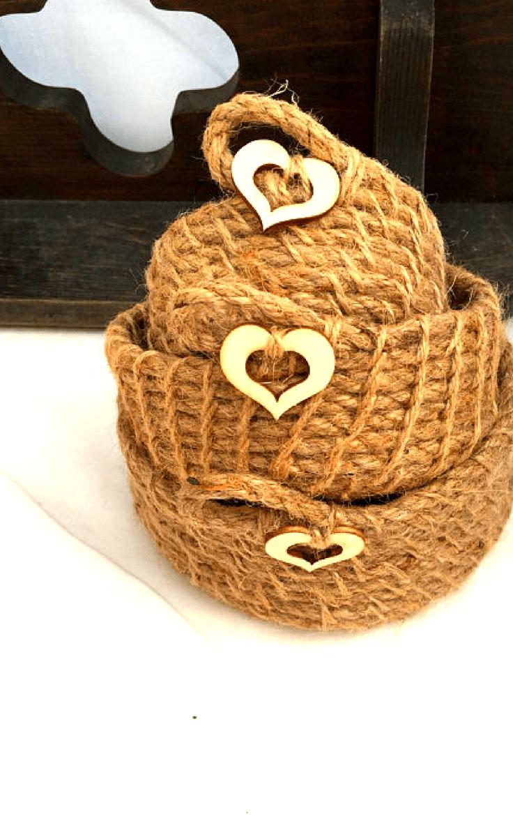 Farmhouse Style Jute Baskets #homedecor #decor #home #farmhouse #farmhousehomedecor #homedecorideas #farmhousedecorideas #farmhousedecor #handmade #decorideas #rustic #rustichomedecor #storage