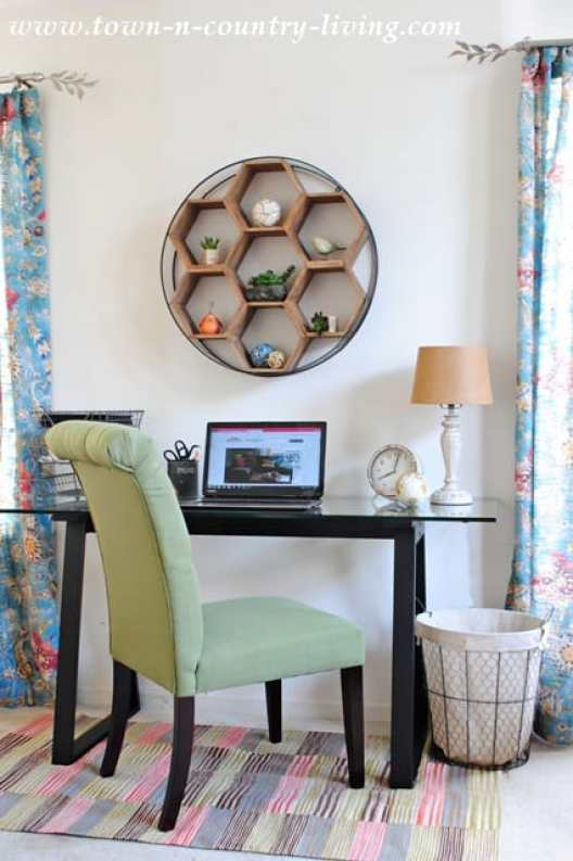 Small Home Office Ideas That Will Make You Want to Work Overtime #smallhomeofficeideas #bohostylehomedecor