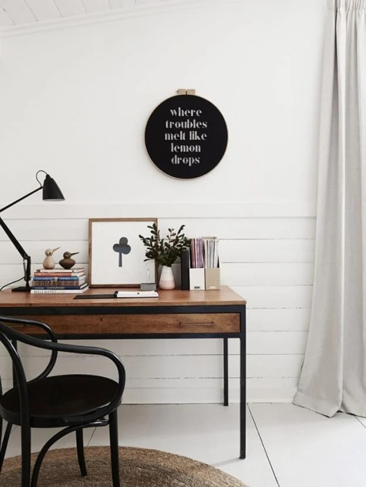 Small Home Office Ideas That Will Make You Want to Work Overtime #smalloffice #farmhousehomedecor #farmhousestyleoffice