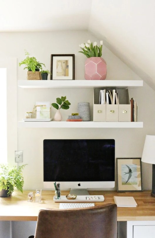 Small Home Office Ideas That Will Make You Want To Work Overtime, #officenook with styled #deskdecor