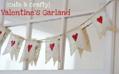 14 Stunning Valentine's Day Decoration Ideas you Will Seriously Fall In Love With This Year! #valentinesdaydecorationideas #valentines #valentinesdaycrafts #valentinesdecor Valentines decor for the home, didy valentines banner