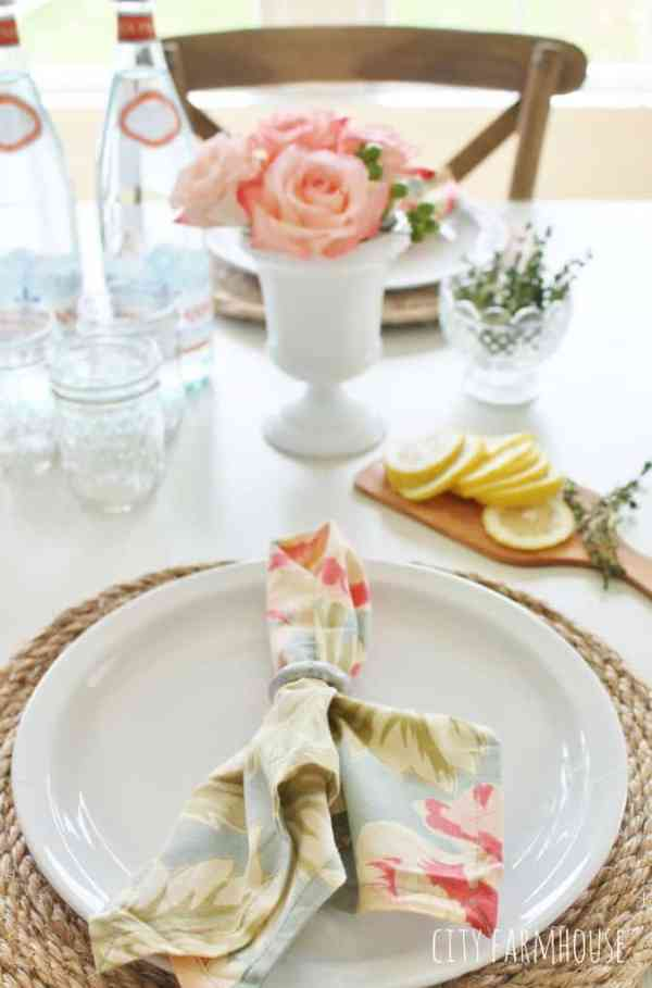 25 Stunning Table Decoration Ideas You Can Do On A really Small Budget   DIY Centrepiece   DIY Home decor   Home decor inspiration   Home Decor On A Budget   Via: https://themummyfront.com #themummyfront #tabledecorationideas #diyhomedecor #tablecenterpiece #tablecenterpiecesforthehome   Table centerpieces for the home   table decorations for home