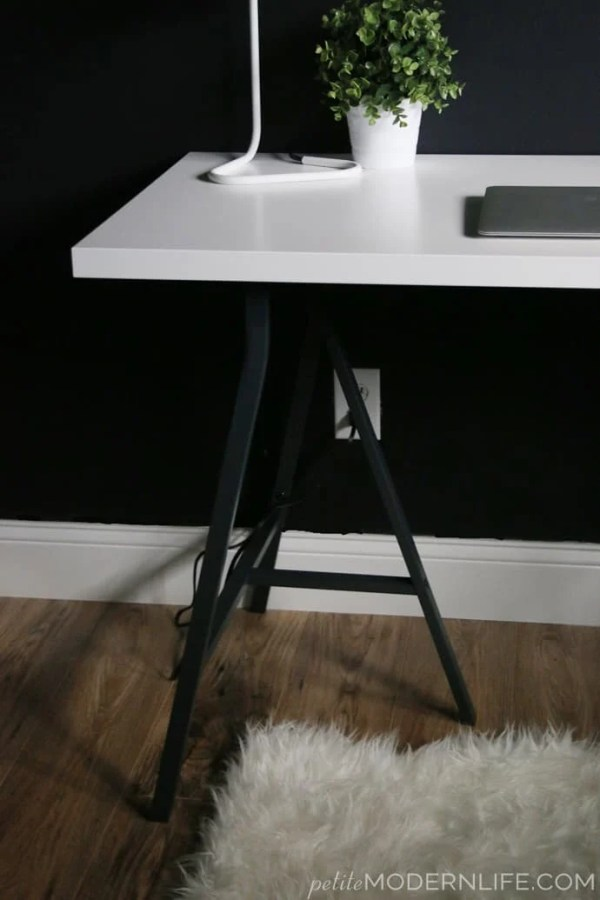 12 Money Saving Ikea Desk Hacks You Cannot Afford To Miss In 2019 | Ikea hacks | DIY home decor | ikea furniture | ikea furniture hacks | Ikea DIY | Via: https://themummyfront.com #themummyfront.com #ikeahacks #ikeafurniturehacks #ikeadiy #ikeahacks #ikeadeskhack #diydesk #desksetup #deskdecor