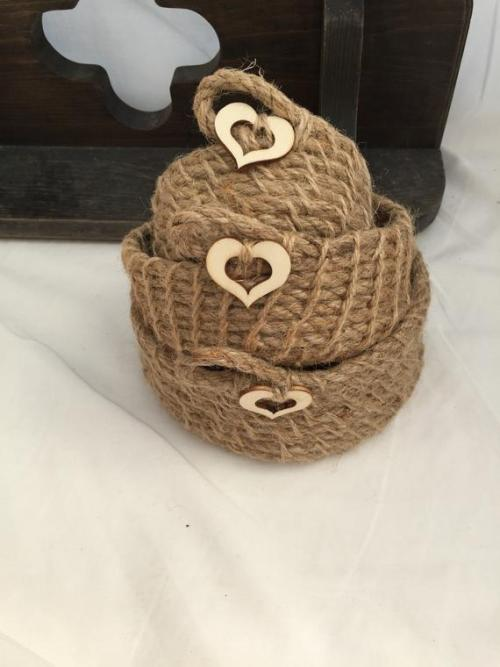 14 Stunning Valentine's Day Decoration Ideas you Will Seriously Fall In Love With This Year! #valentinesdaydecorationideas #valentines #valentinesdaycrafts #valentinesdecor Valentines decor for the home, jute baskets, farmhouse style decor