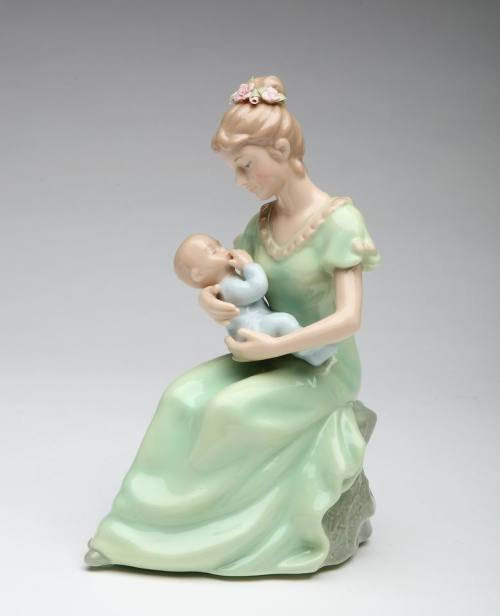 Porcelain Mom and Baby Musical