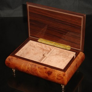 Italian Jewelry Box Elm 04CF opened
