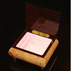 Italian Jewelry Box Elm 17Rose opened