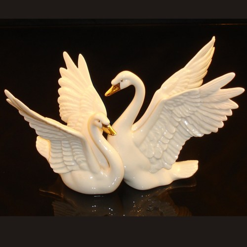 Lenox Swans Figurine