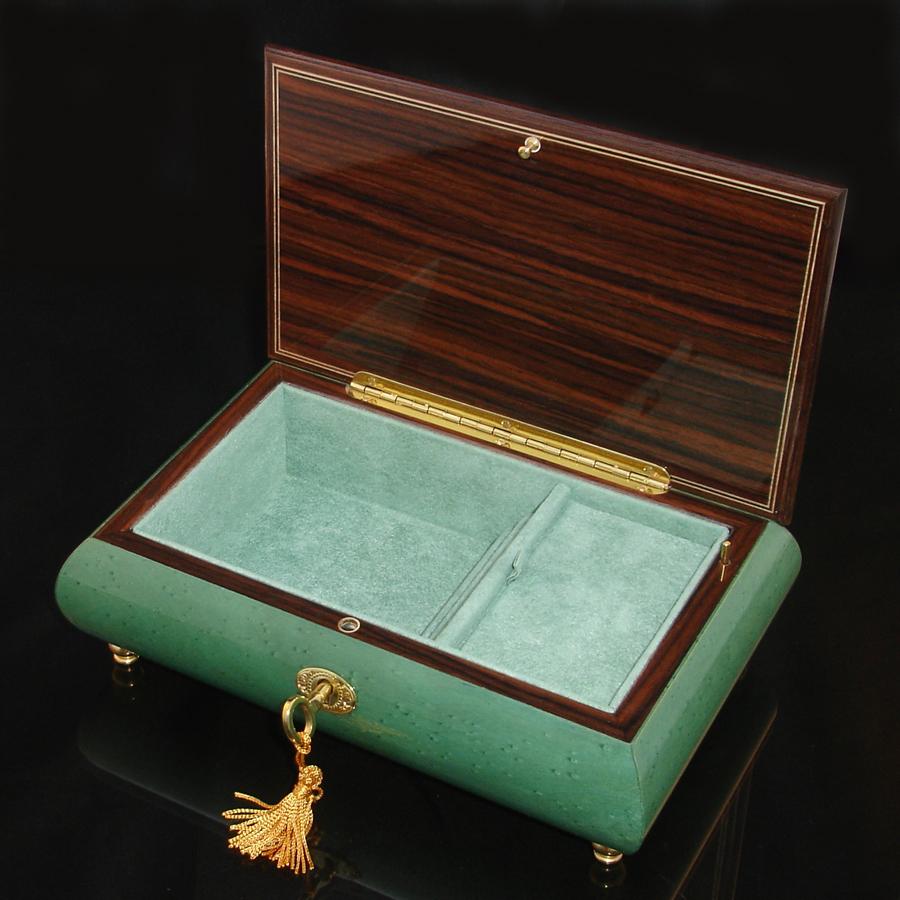 Italian Inlaid Musical Jewelry Box 02CF Green opened green interior