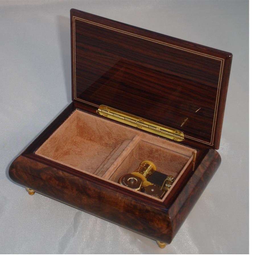 Italian Jewelry Box Walnut 04CF opened no cover