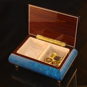 Italian Jewelry Box Dark Blue 04CVM opened no cover