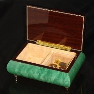 Italian Jewelry Box Green 04CVM opened no cover