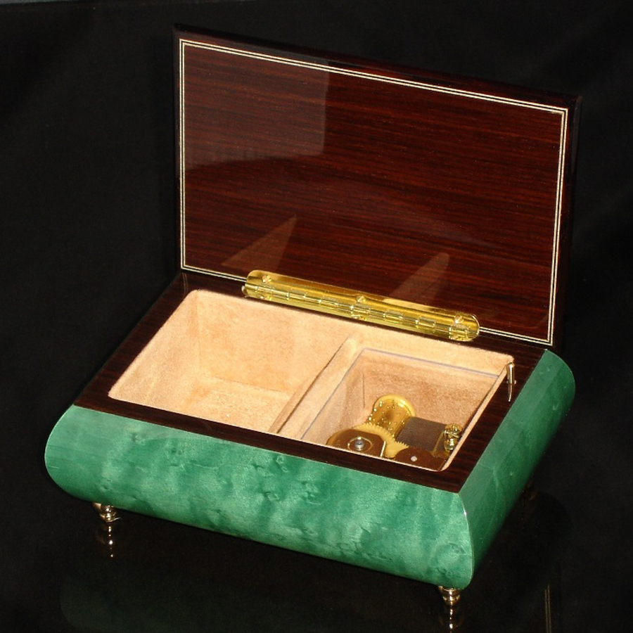 Italian Jewelry Box Green 04CVM opened no cover