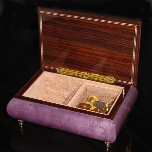 Italian Jewelry Box Plum 04CVM opened no cover