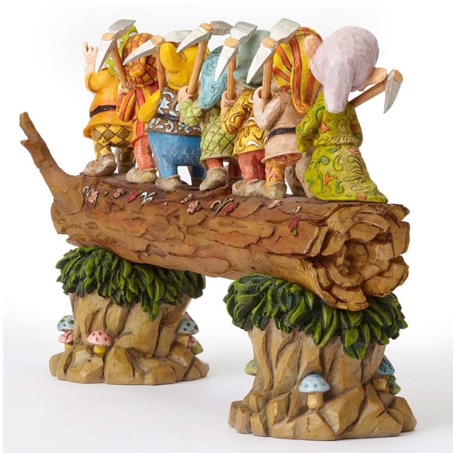 Seven Dwarfs on Log Back Angle