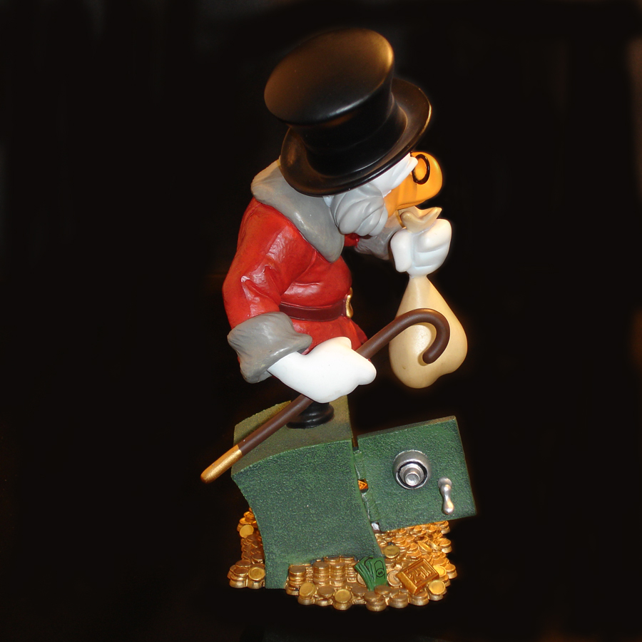 Scrooge McDuck Grand Jester Side View