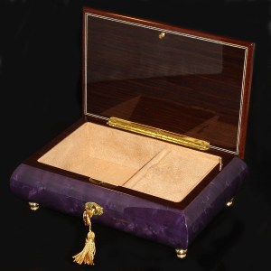 Italian-Musical-Jewelry-Box-02CVM-Purple-opened