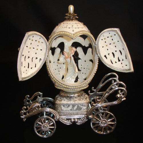 My-Perfect-Day-Wedding -Carriage-Musical-Egg-opened