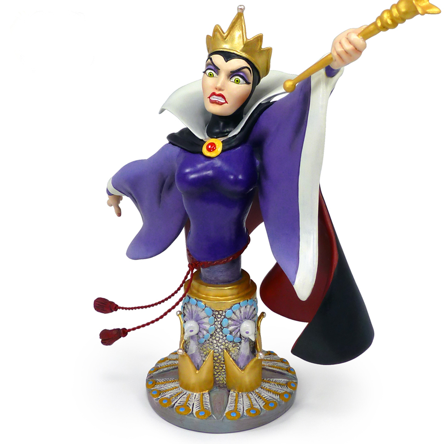 Evil-Queen-figurine-by-Grand-Jester-angle-front-view