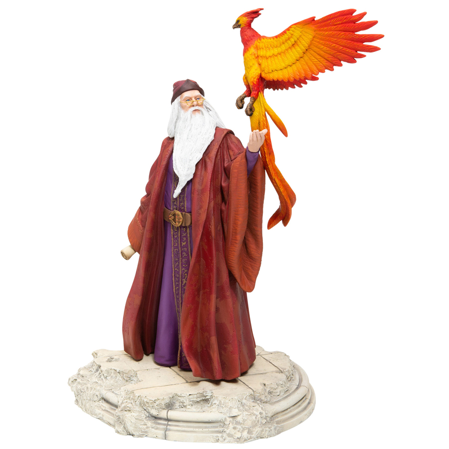 Dumbledore-Fawkes-angle-view
