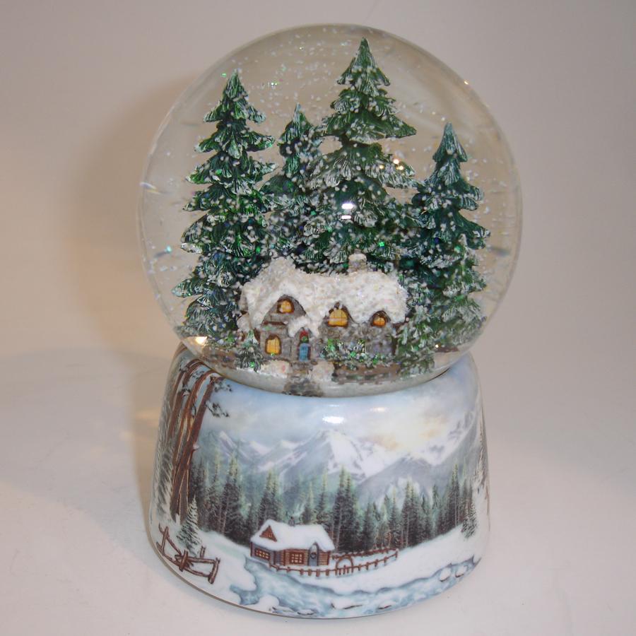 Winter-Cabin-Snow-Globe-Shaken