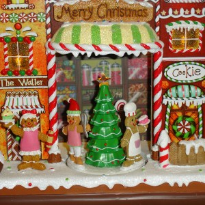 Gingerbread-Candy-House-close-up