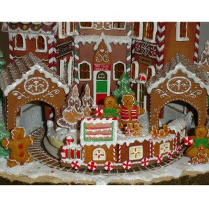 Gingerbread-Train-Village-close-up