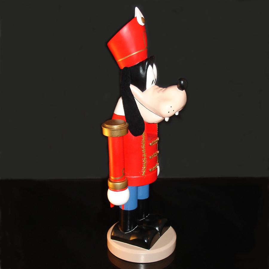 Goofy-Nutcracker-side-view