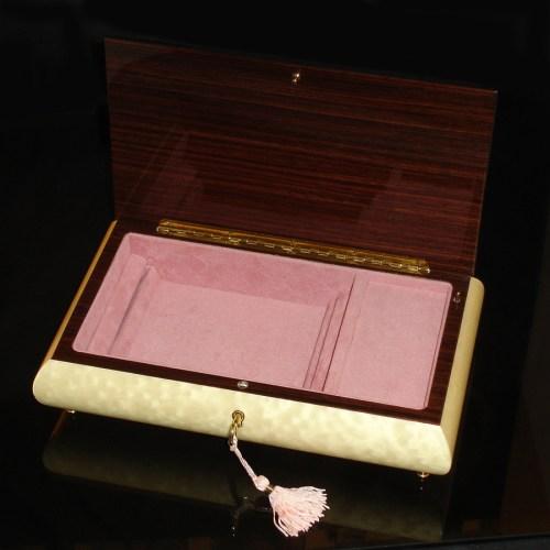 Italian-Inlay-Jewelry-Box-Swans-open