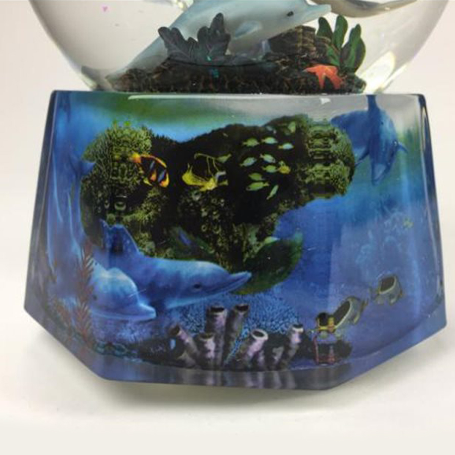 Dolphin-Snow-Globe-MK-close-up