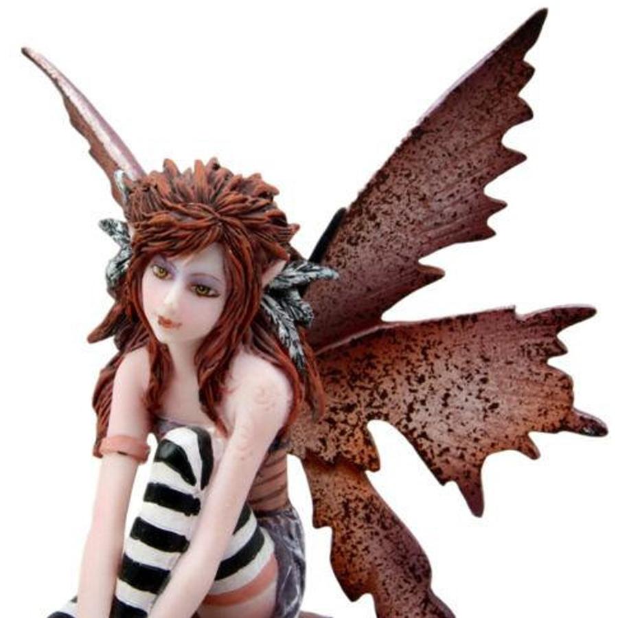Naughty-Fairy-Close-Up