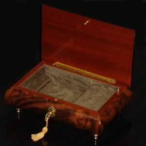 Italian-Inlay-Musical-Jewelry-Box-Burl-Walnut-open-green-interior
