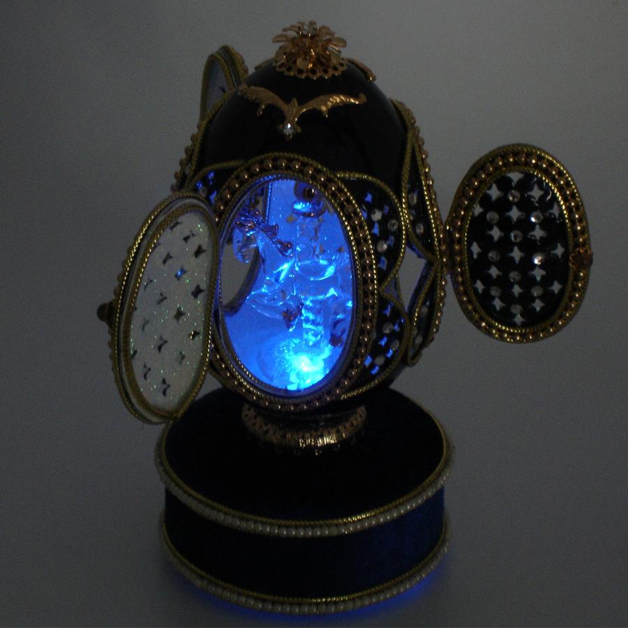 Crystal-Carousel-Egg-blue